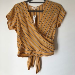 Ultra flirt Womans Mustard Top